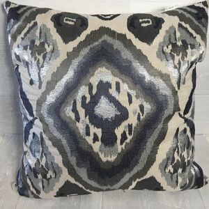 2 kim seybert pillows cover with goose down pillow
